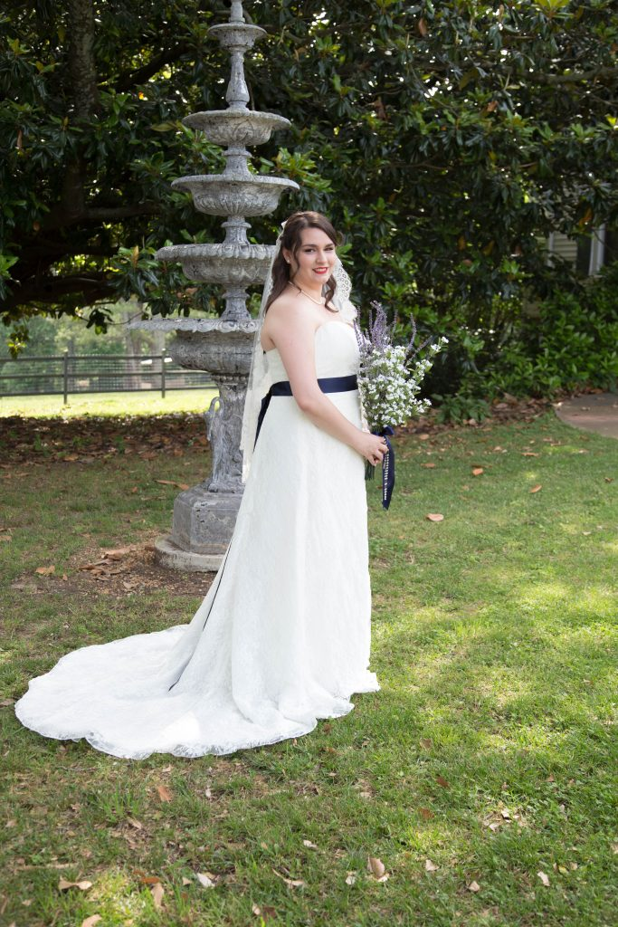 Bride Allatoona Inn